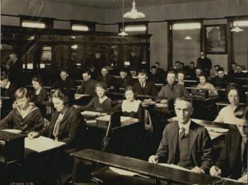 1925 class in Bexell Hall